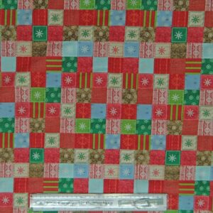 Country-Patchwork-Quilting-Fabric-Allover-50x55cm-Christmas-Bundle-Up-Checks-RED-111749281231