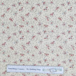 Country-Patchwork-Quilting-Fabric-Cream-Daisy-Doodle-Bugs-Cotton-Sewing-50x55cm-111616349204