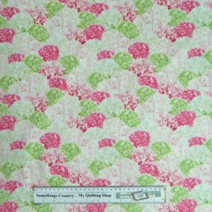 Country-Patchwork-Quilting-Hydrangers-Pink-Cotton-Sewing-50x55-Fat-Quart-New-161770744872