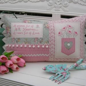 Quilting Sewing Cushion Pattern HEART FULL OF LOVE Sally Giblin Rivendale Collection NEW