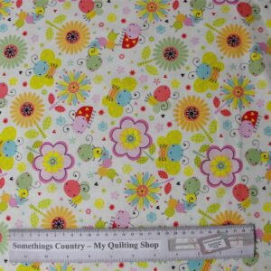 Patchwork-Quilting-Fabric-Flowers-Bugs-Butterflys-Cotton-Quilt-Fat-Q-111319142972