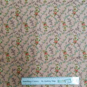 Patchwork-Quilting-Fabric-Pink-Roses-on-Pink-Material-Cotton-Fat-Quarter-New-161389975515